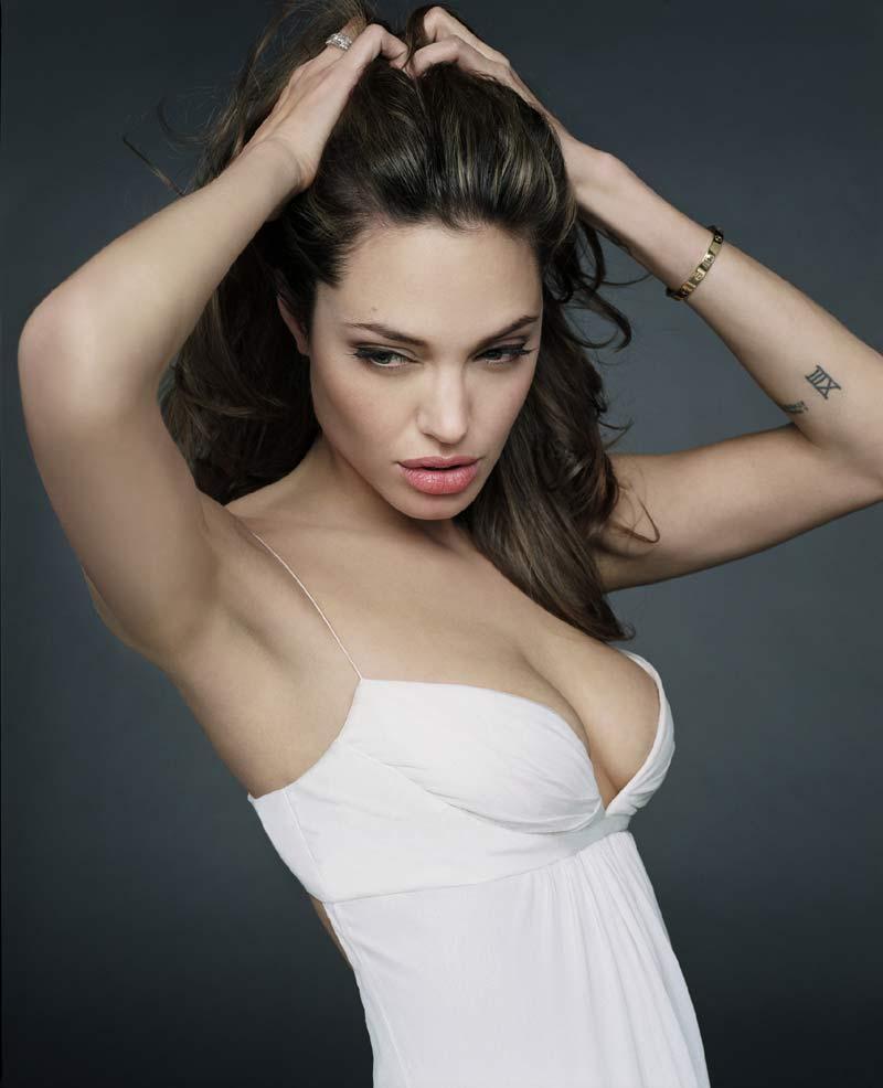 Анджелина джоли грудь 9 фотография