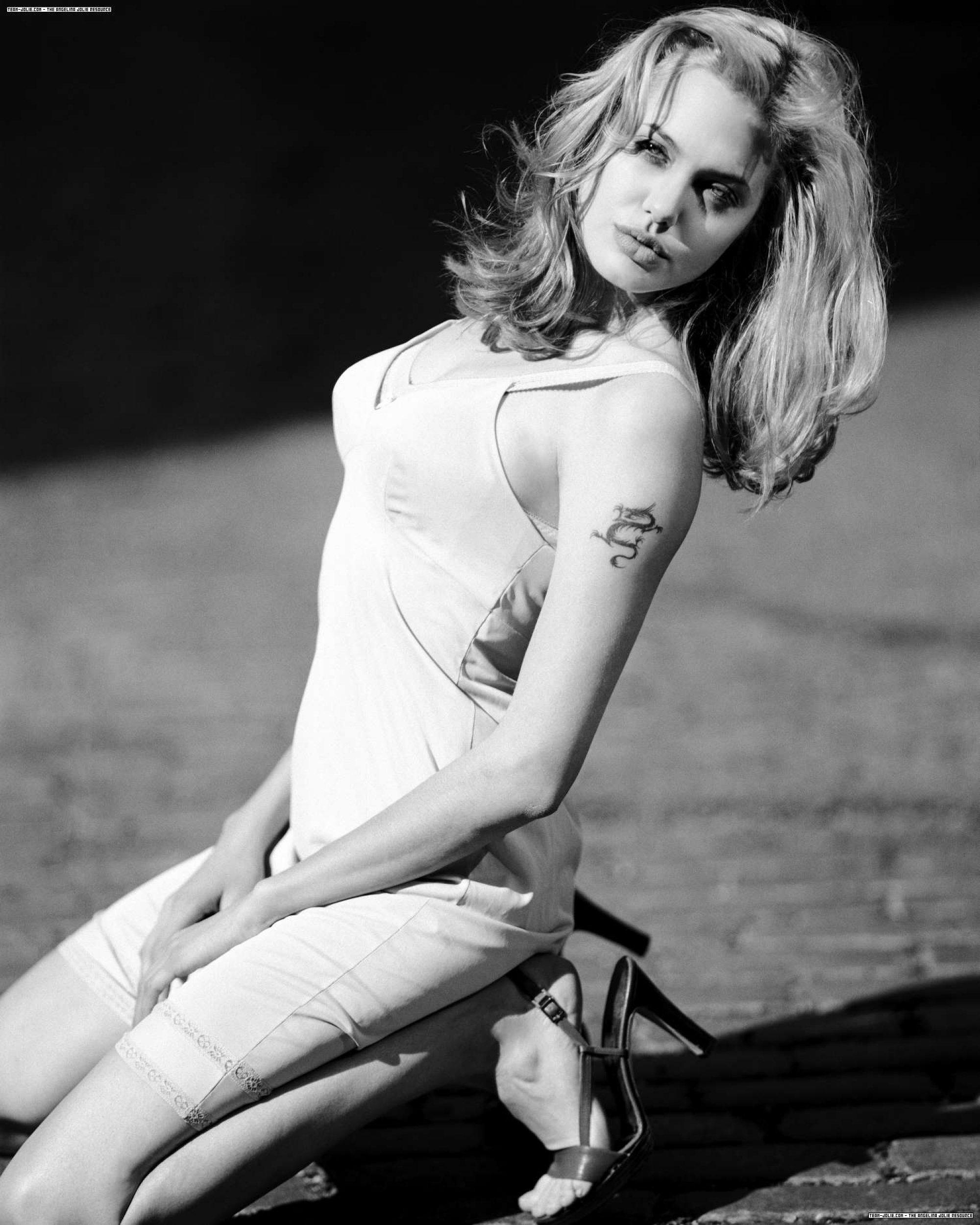 Фотография Angelina Jolie.