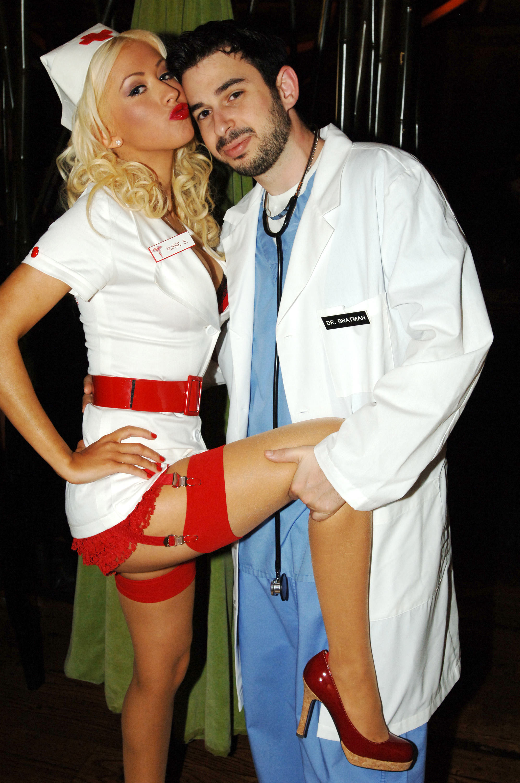 У медсестры в пастели 10 фотография