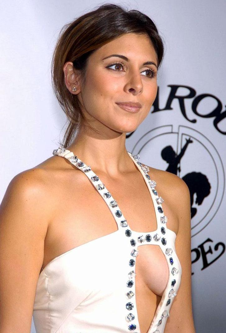 Francesca busty amateurs big natural breast pictures