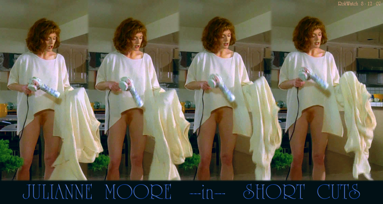 Julianne Moore Vagina Gifs
