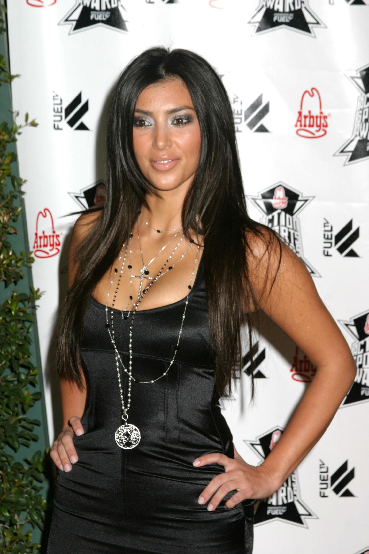 Ким Кардашиан (Kim Kardashian) .