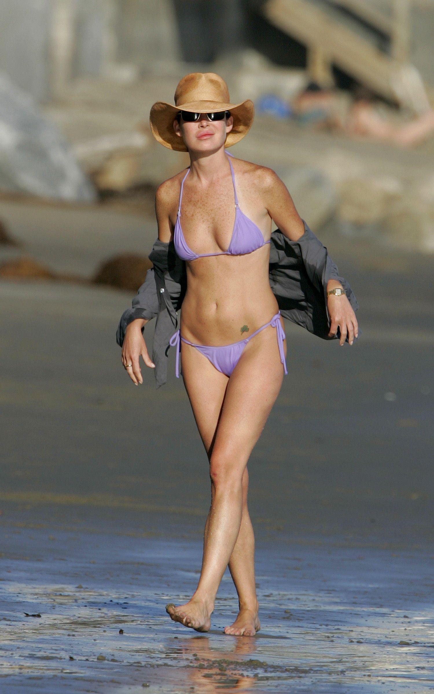 Bikini boyle flynn lara