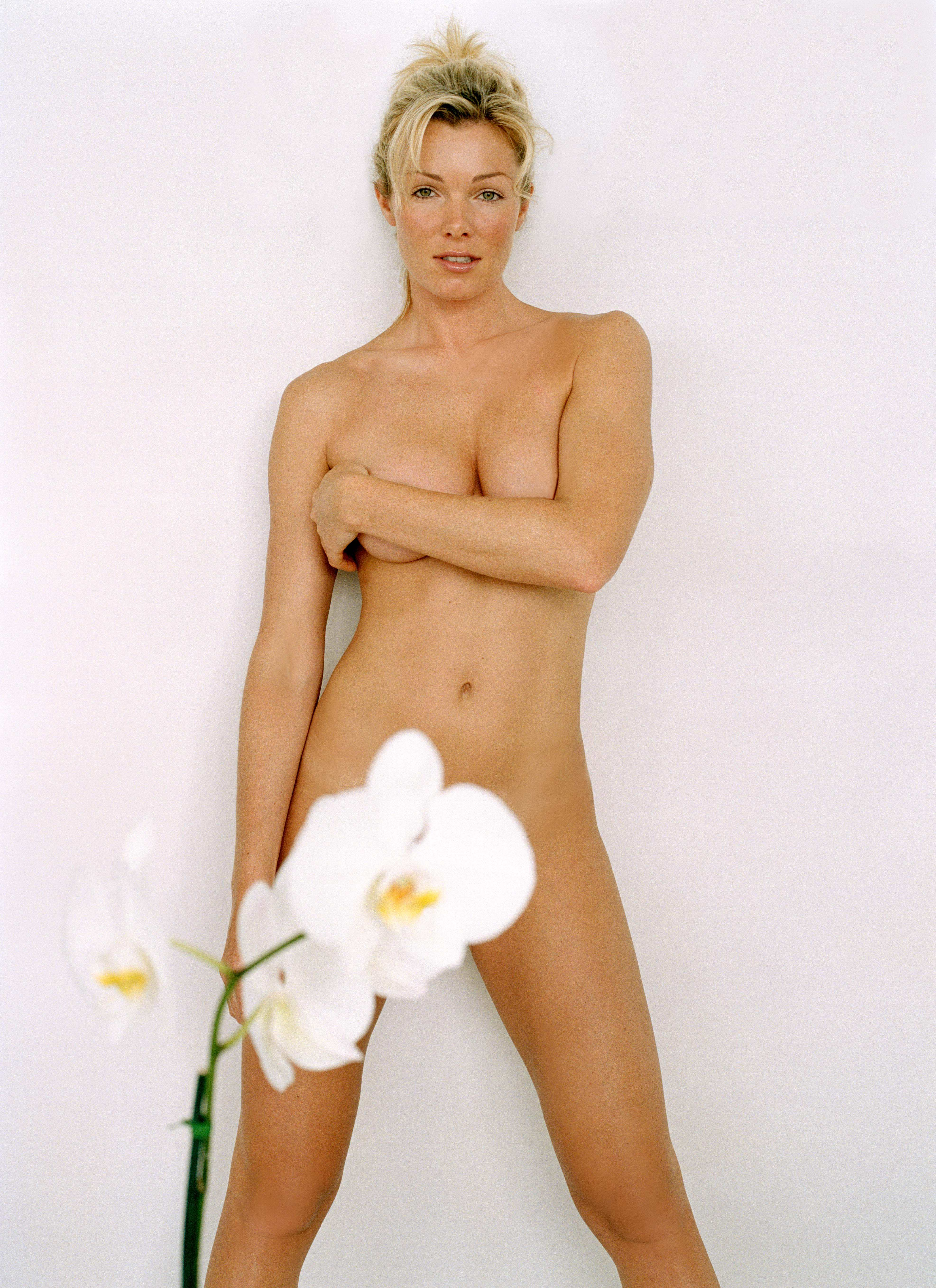 Nell mcandrew's nude photos on beach will make your jaw drop celebs unmasked