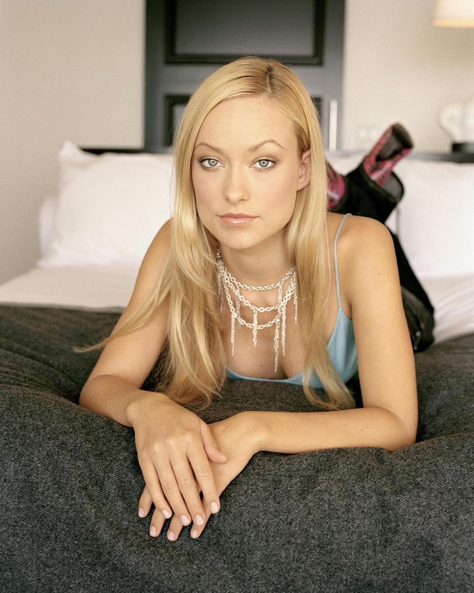 Alyssa milano caught nude