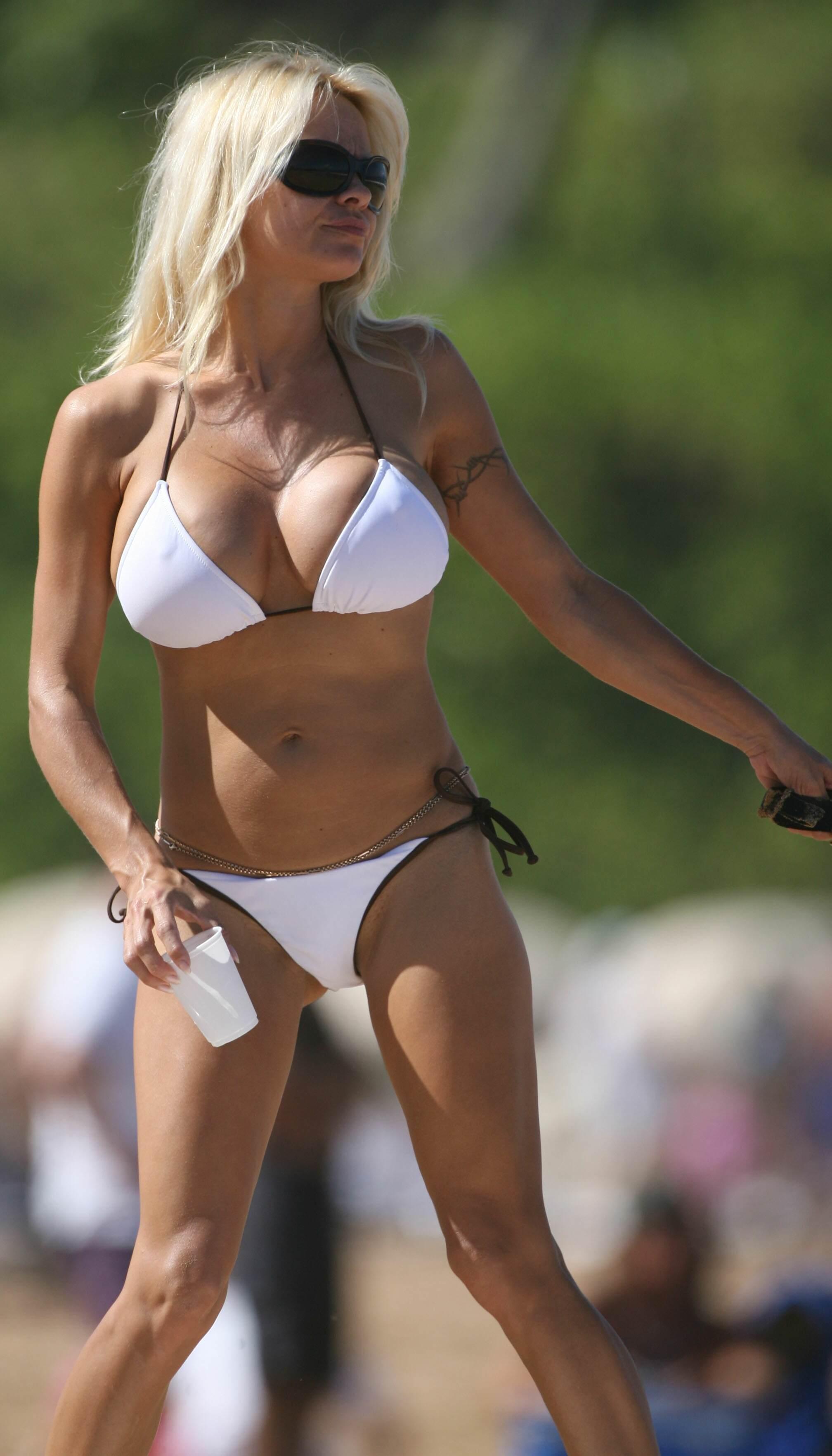 Pamela Anderson Bares Bikini