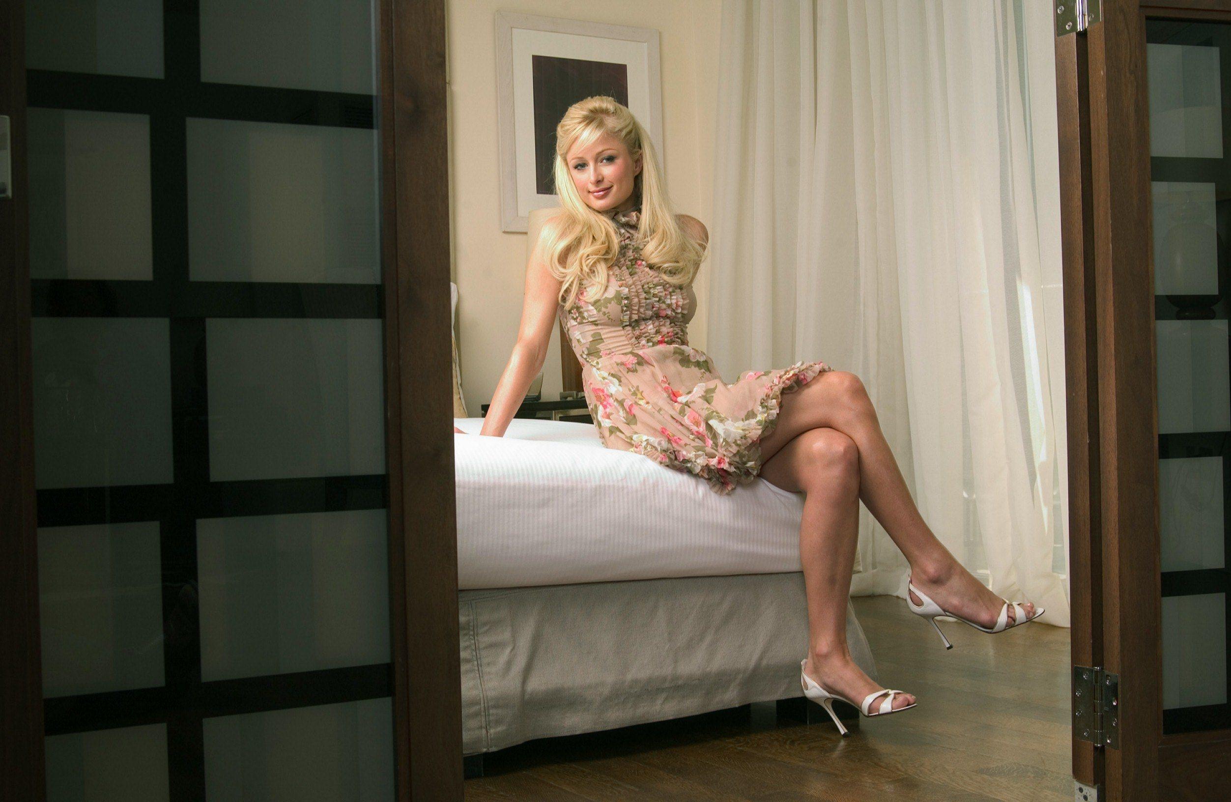 Фото блондинок в спальне 2 фотография