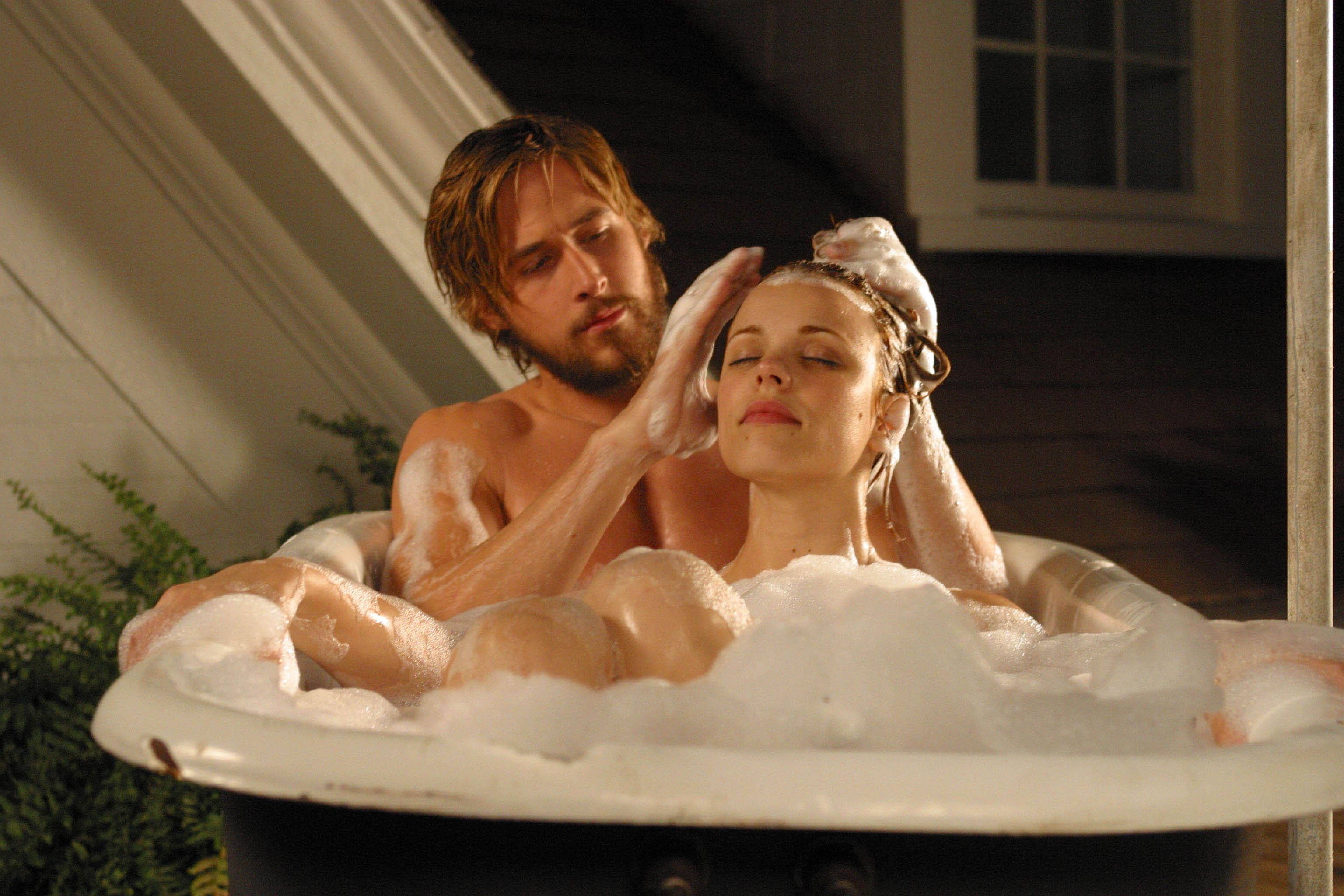 Смотреть онлайн мужчина в ванной 3 фотография